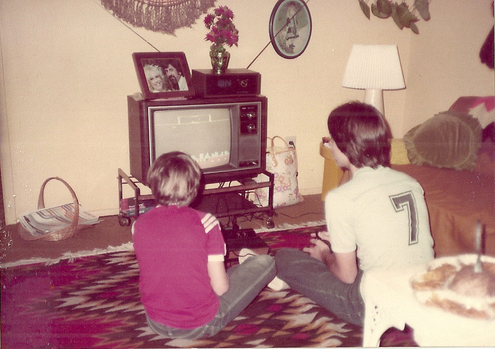 https://ia801002.us.archive.org/35/items/consolelivingroom/playing_atari_2600.jpg